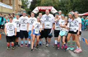 Teal Ribbon Run participants