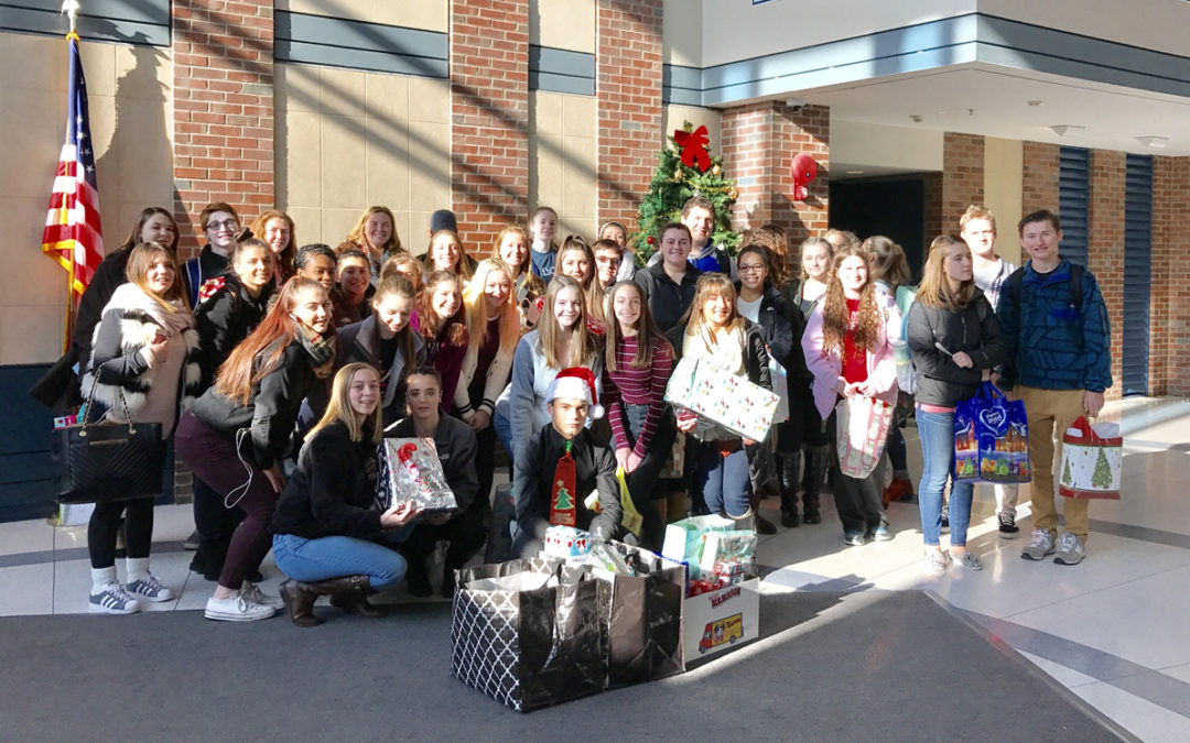 Cheer Team and Leadership Club Donate Gifts to Preschoolers