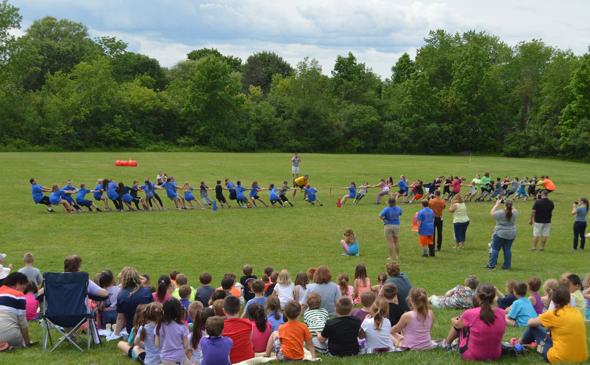 5th Grade Tug-of-War at DPS Field Day