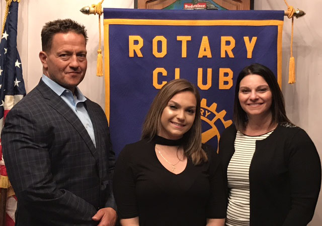Marissa Hochberg '17 and Tucker Zwanka '17 Win Rotary Club Scholarships
