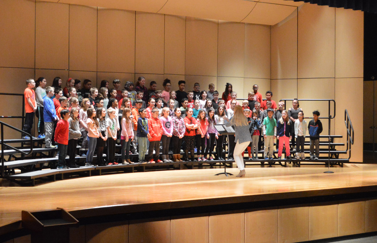 Red Mill Grade 4 Chorus performs at the 2018 Choral Festival