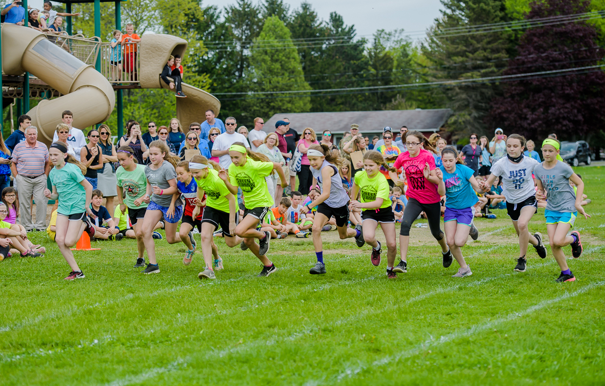 Students race at Green Meadow Field Day