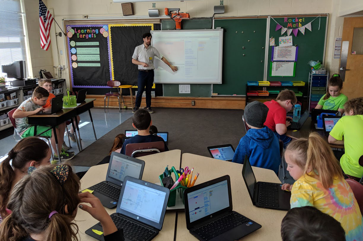 DPS students learn Scratch coding