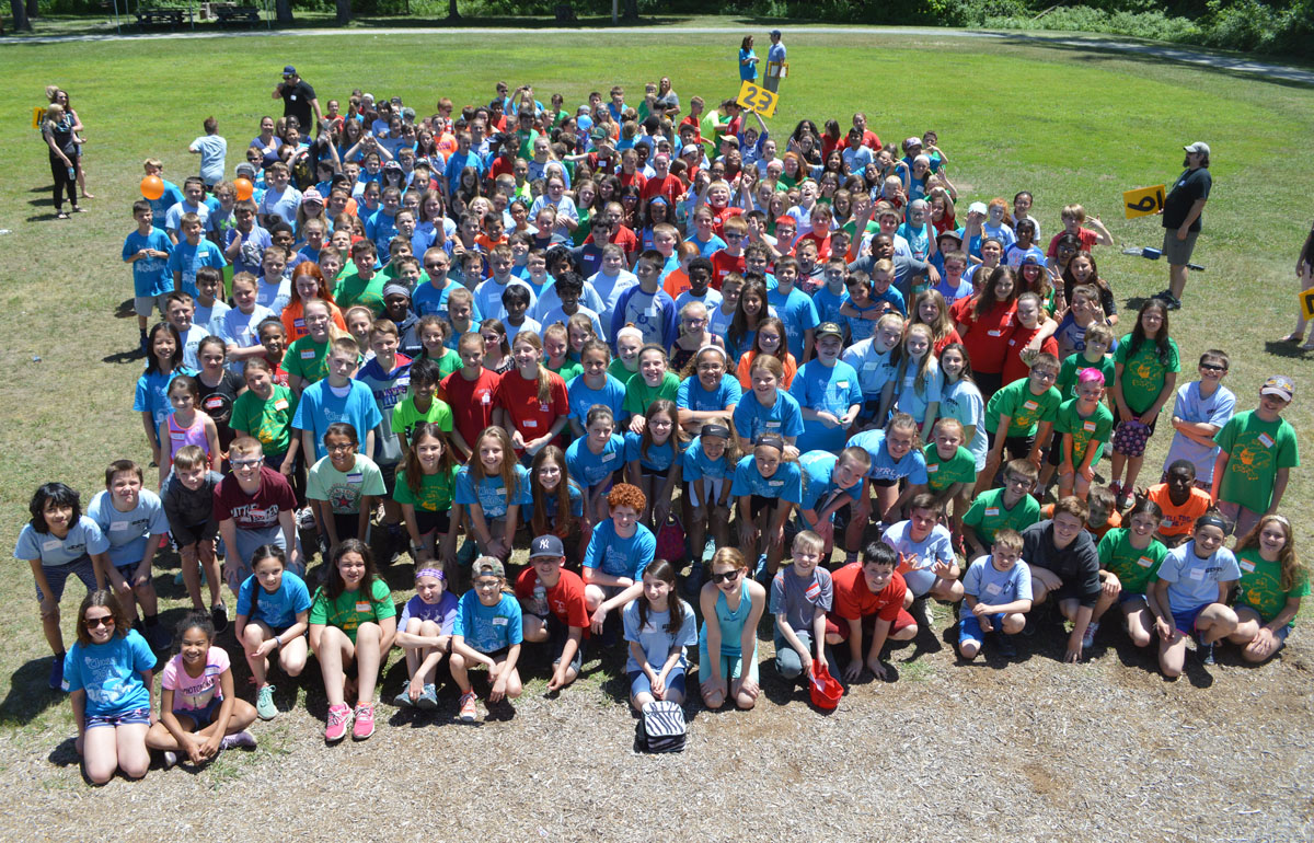 All 5th graders pose for a group photo