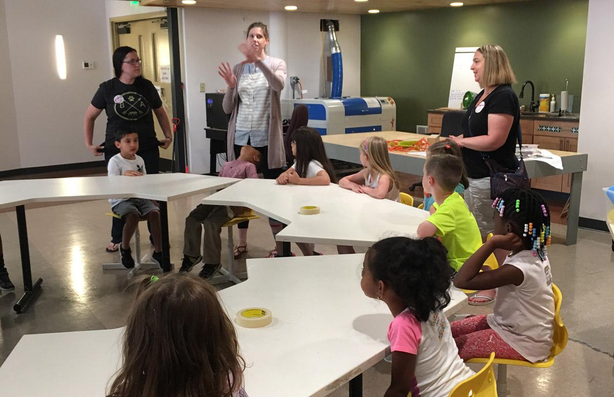 Genet kindergarten students at Center of Gravity
