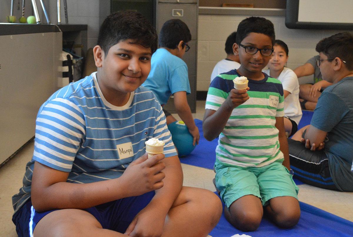 Students eat ice cream