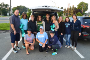 Teal ribbon volunteers