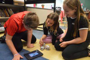 Students program robots
