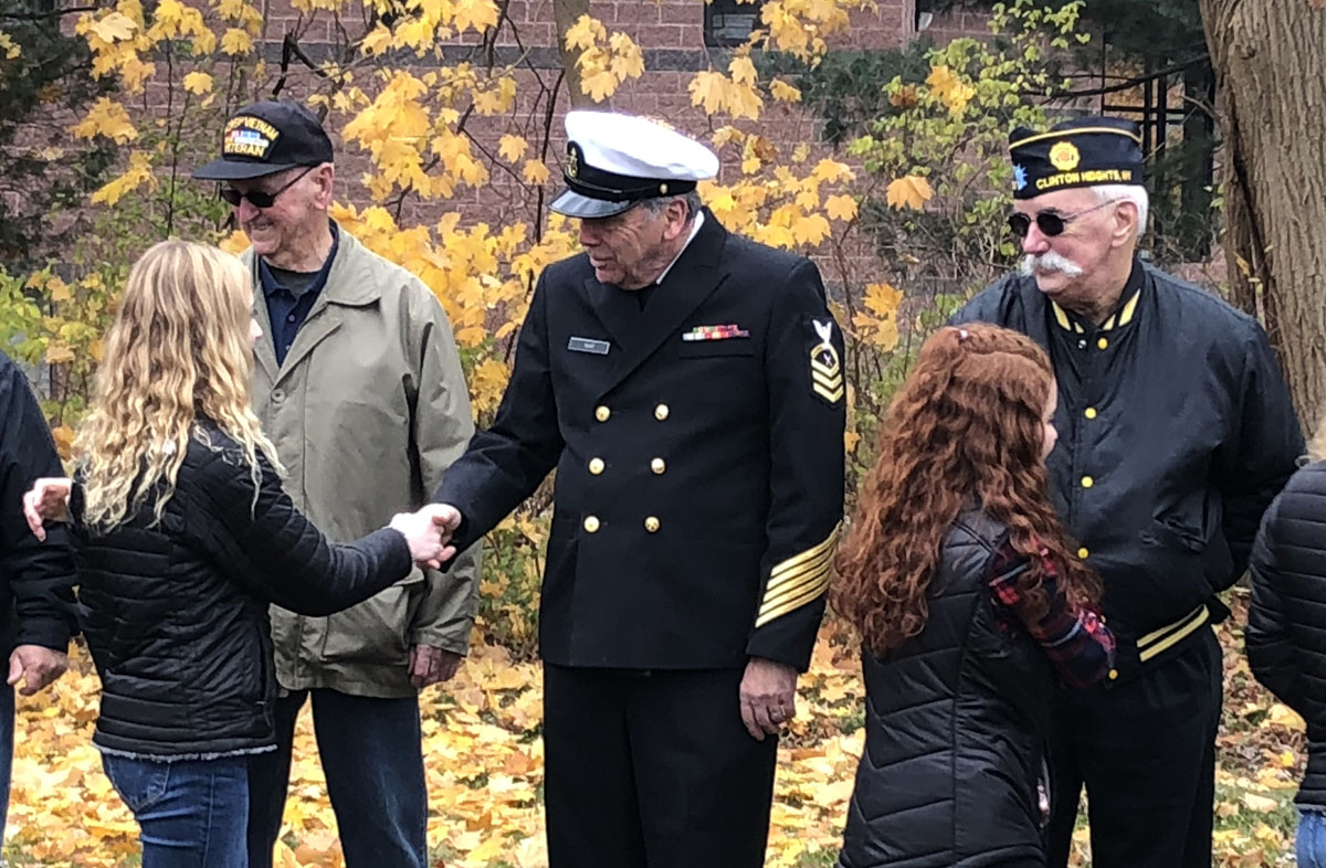 Columbia students thank veterans