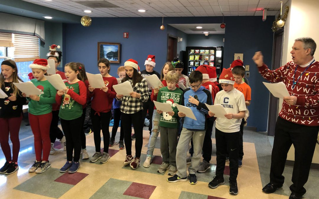 Red Mill Students Go Caroling at Evergreen Commons