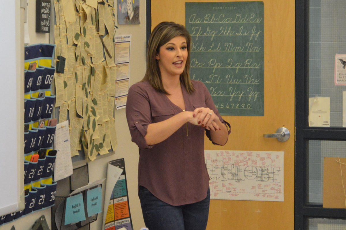 Samantha DiMascio speaking to a Journalism class at Columbia High School.