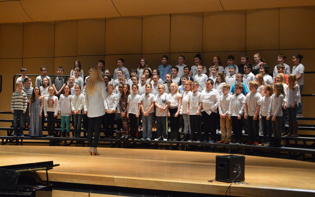 Red Mill chorus at 2019 Choral Festival