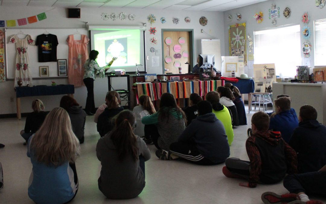 Goff Teacher Assistant Gives Lesson on Her Home Country of Honduras