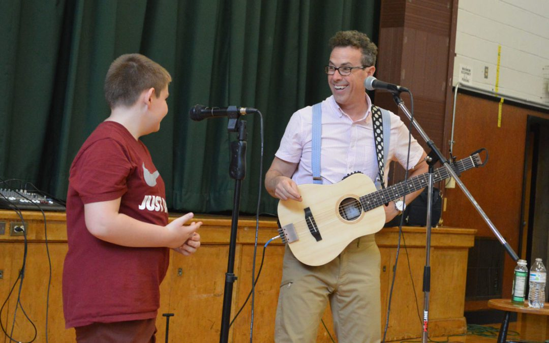 Best-selling Author Eric Litwin Visits Bell Top, Genet and Green Meadow