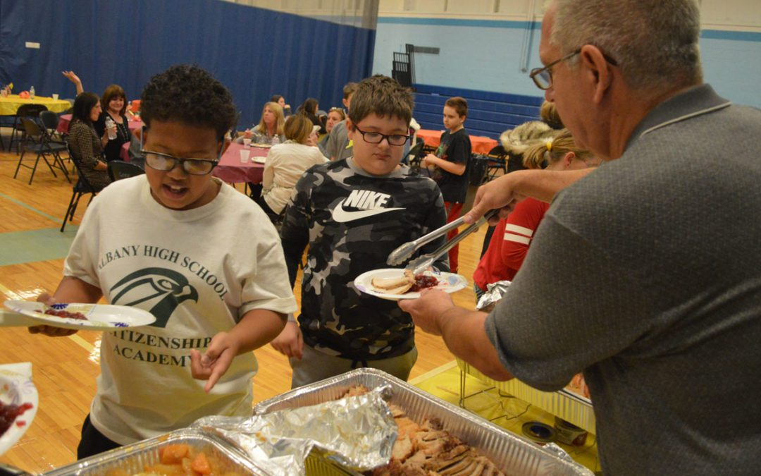 Goff Thanksgiving Feast Brings Students and Staff Together