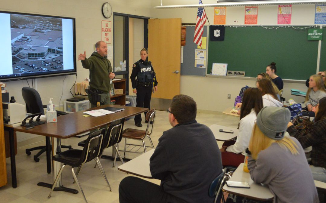 Sgt. Martyn Visits Crime in Literature Class