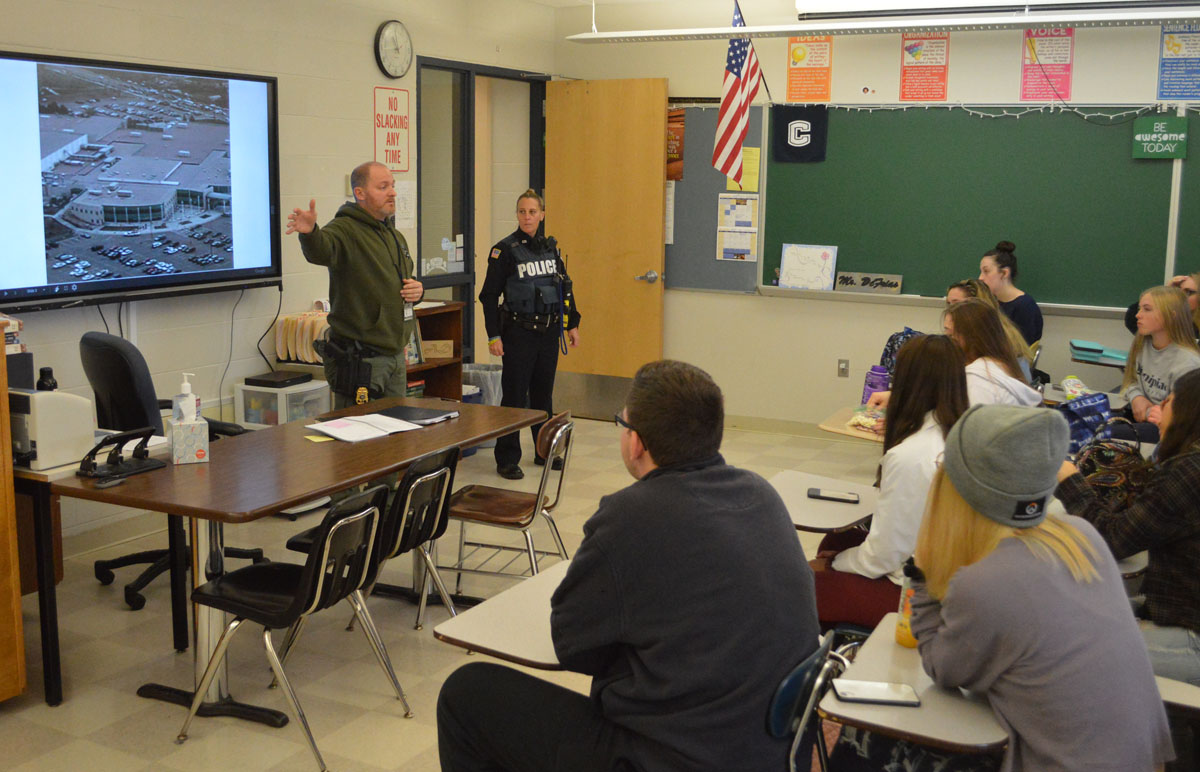Sgt. Martyn gives class presentation