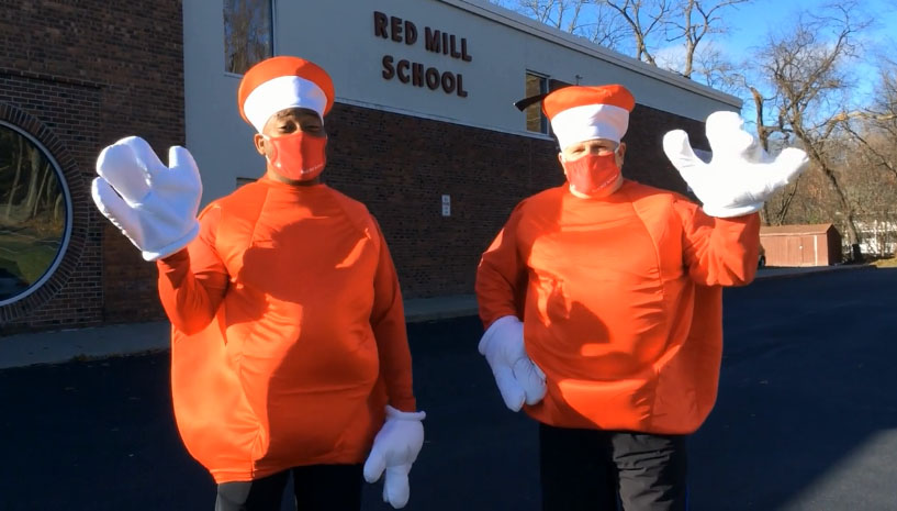 Video: Red Mill Great Apple Race