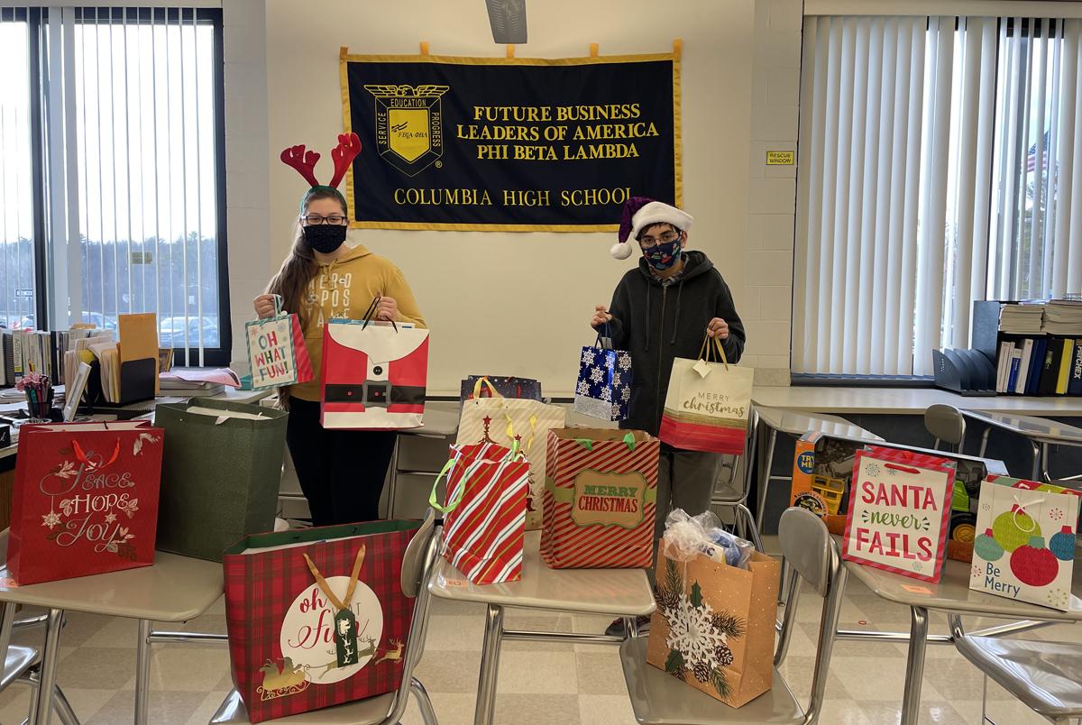 FBLA students display gifts