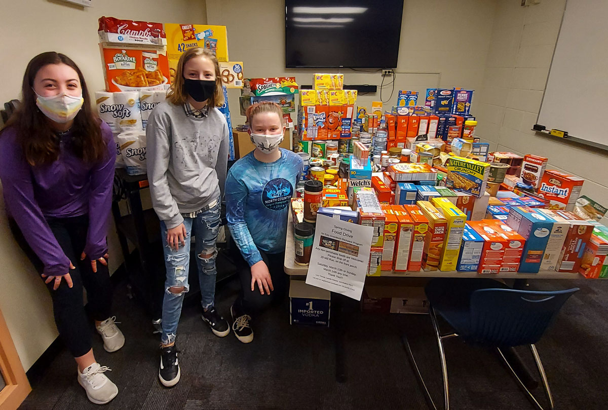 Goff students with food collection