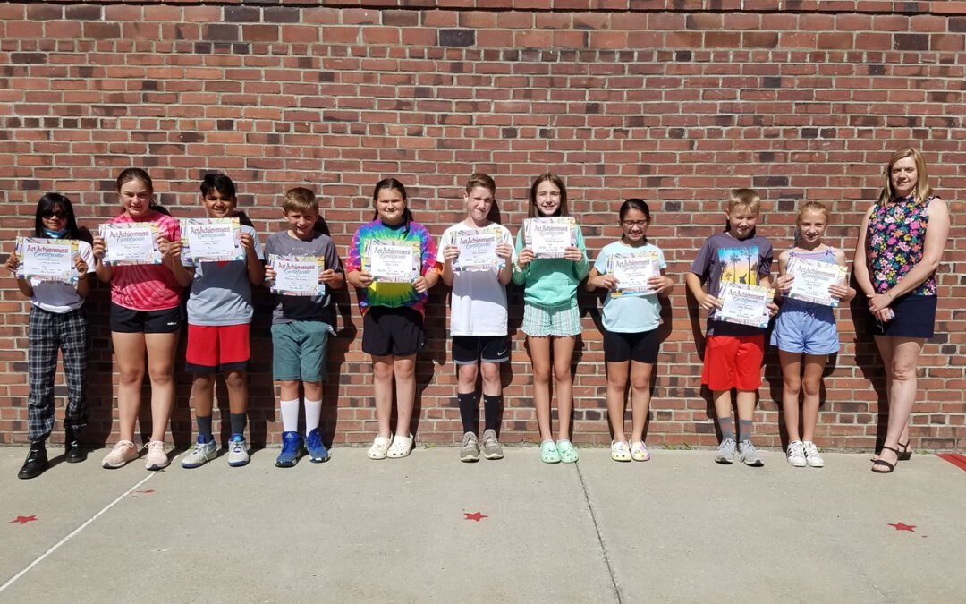 Red Mill Students Receive Art Awards