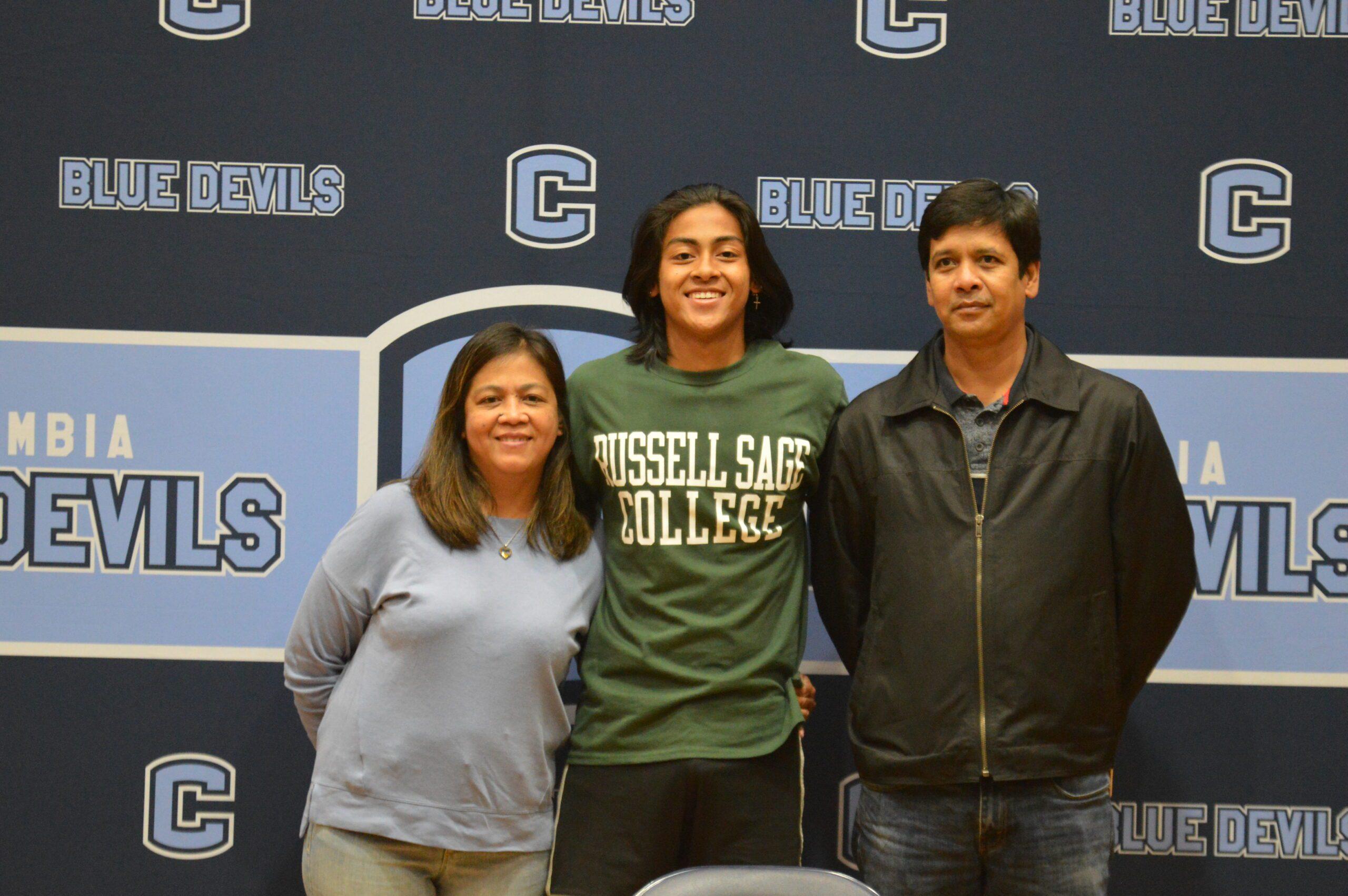 Reigniel Esconde college signing